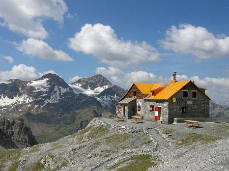Alpi rifugio v alpini 5 alpini in val zebru 39 for Rifugio in baita di montagna